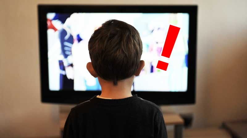 子供がテレビに夢中で話を聞かない